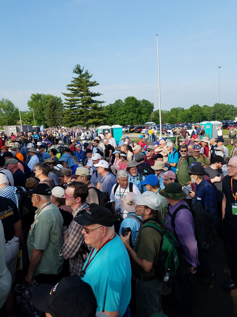 http://www.hamradio.cc/images/forum/ham_fests/Dayton_hamfest_2017_first_day.jpg